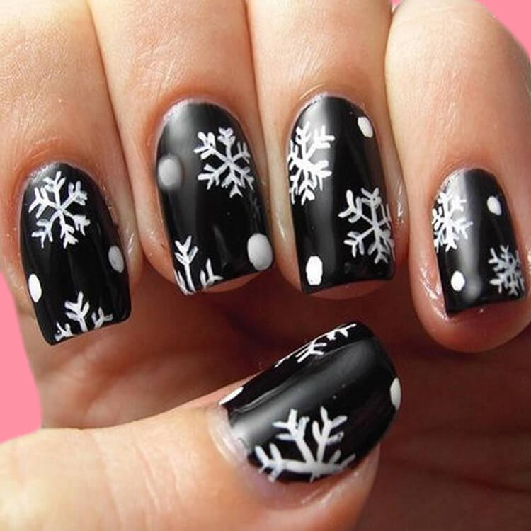 Christmas Nail Ideas 41